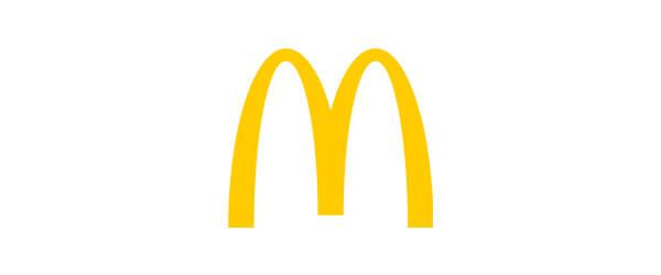 macdonalds logo is herkenbaar en memorabel , de kinderen weten maar al te goed wat de gele M langs de weg inhoud
